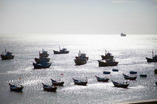 Red Dunes: Корабли на закате