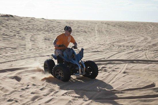 Red Dunes: Еду боком
