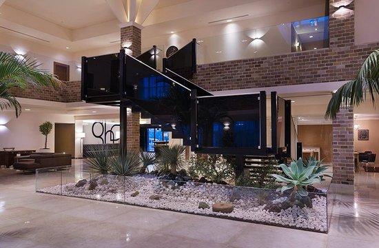 Garden Hotel: Hotel Lobby