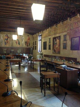 University of Padova: зал медицины