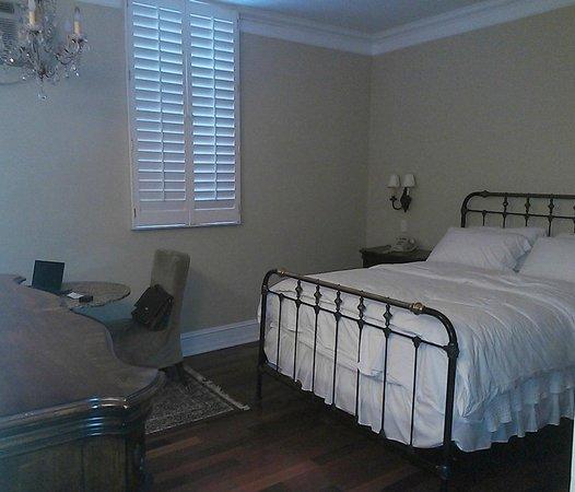 Life Hotel: Bedroom - 906