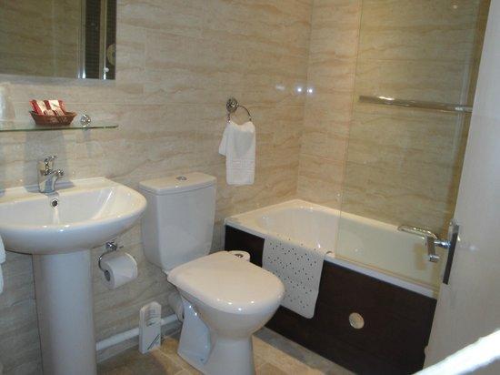 Longview Hotel : Ensuite bathroom