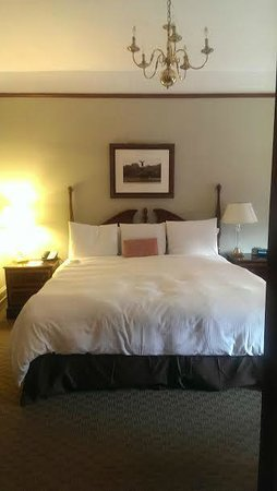 Hotel Wales: King Bed Suite