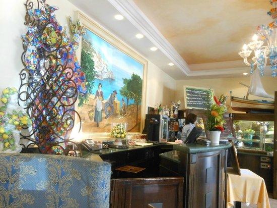 La Baie D'Amalfi : le bar