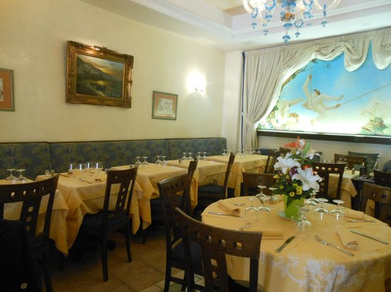 La Baie D'Amalfi : la salle