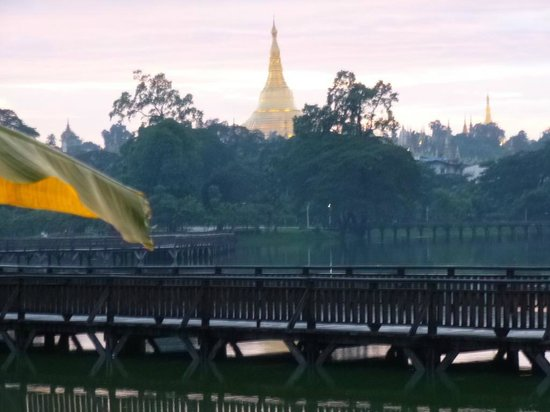 The Kandawgyi Palace Hotel: Room with a view!