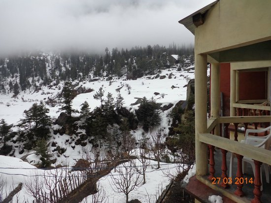 Hotel Rupin River View: The upper level rooms with sit-outs