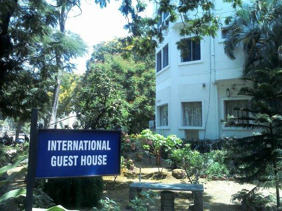 YWCA Guest House: Entrance