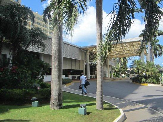 Sunscape Splash Montego Bay : Hotel front entrance