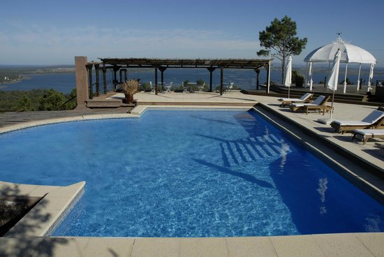 Hotel Art & Spa Las Cumbres : for sure one of Punta's best pool views