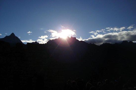 Machu Picchu Viajes Peru : Amanece