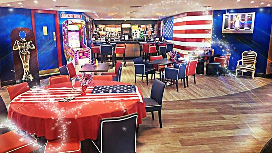 Skegness Bowl: he All New Hollywood Bar