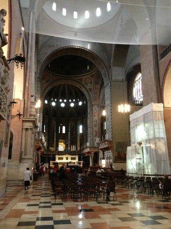 Basilica di Sant'Antonio - Basilica del Santo: внутри Базилики