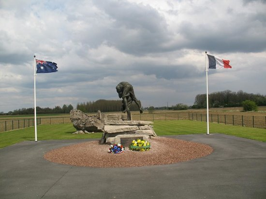 In The Footsteps Battlefield Tours : Fromelles