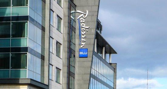 Radisson Blu Royal Hotel, Dublin: The striking facade of the hotel, Golden Lane in Dublin