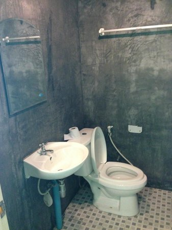Apache Beach House: Туалет
