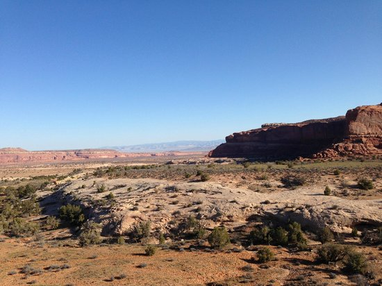 Canyonlands Ballooning : A view from the basket!