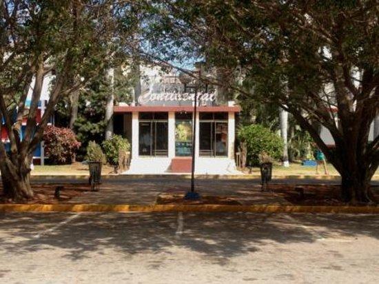 Varadero, Kuba: Cabaret Continental - April '14