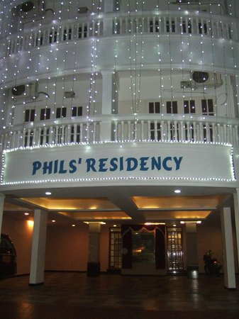 Phils' Residency: Entrance
