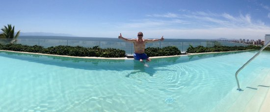 Hilton Puerto Vallarta Resort : Infinity pool
