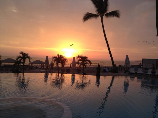 Hilton Puerto Vallarta Resort : Sunset at the hotel