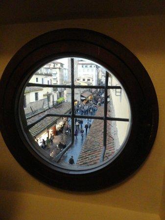 Corridoio Vasariano : il Ponte Vecchio dalla Torre dei Mannelli