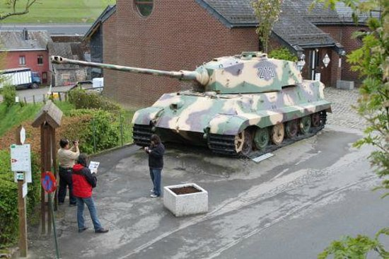 In The Footsteps Battlefield Tours : King Tiger Tank, Le Gleize