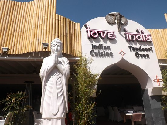 Love India: Entrance