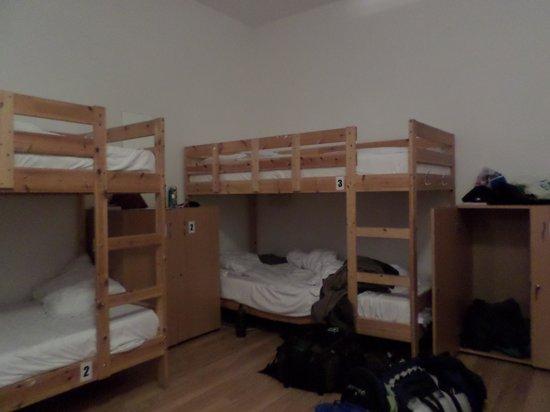 JugendStube Hostel : 6 dormitory room
