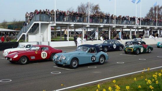 Goodwood Motor Circuit: sixties cars race