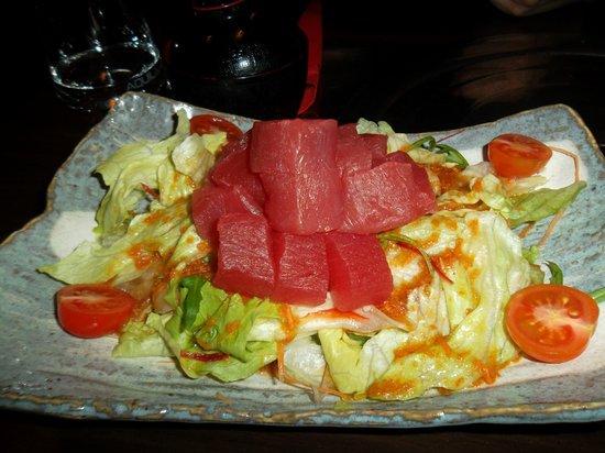 Hanabi Sushi House: Insalata con tonno crudo