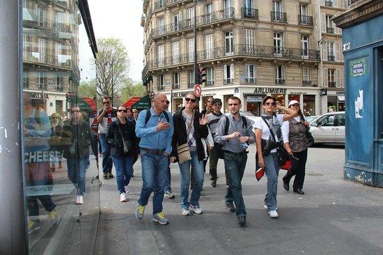 Awesome Guide Tours: Caminhando pelas ruas de Paris