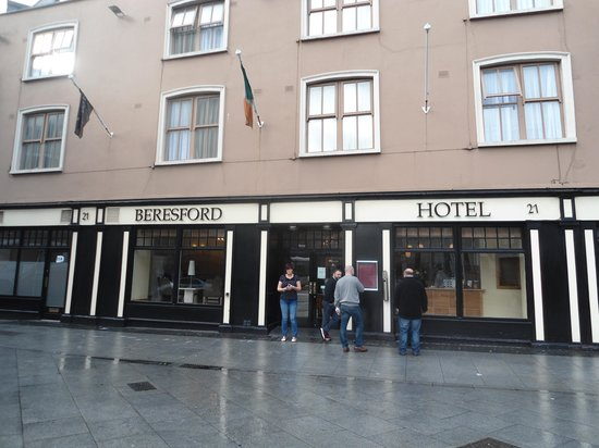 Beresford Hotel : Outside the hotel