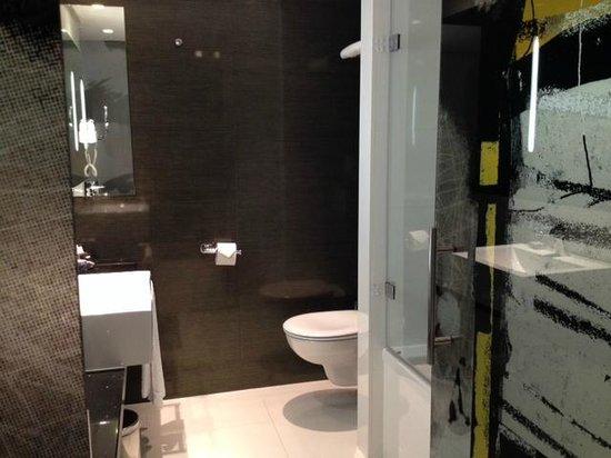 H10 Berlin Ku'damm: Badezimmer