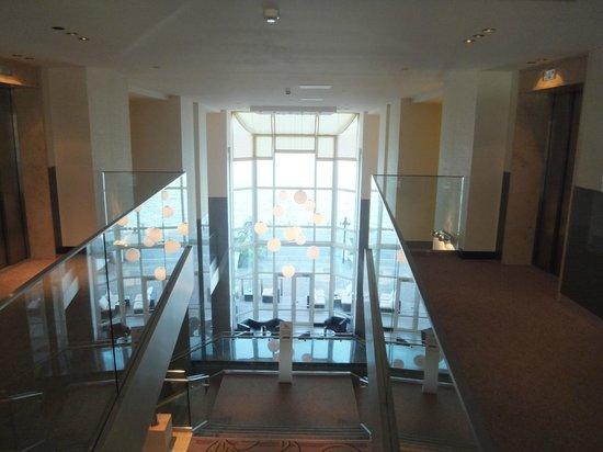 Hilton Vienna Danube Waterfront: hallway
