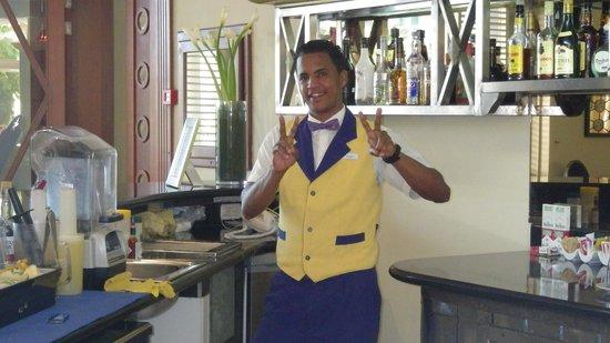 Iberostar Grand Hotel Bavaro: Victor at the Lobby Bar