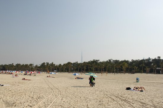 Jumeirah Public Beach: Пляж Джумейры - вид на Бурдж-Халифа