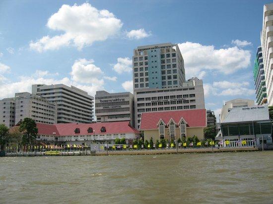 Chao Phraya River: какой контраст