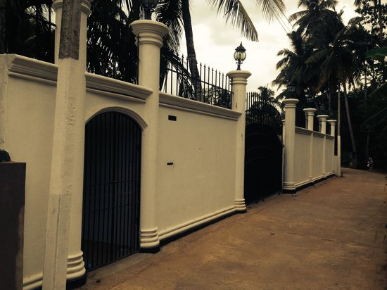 Bandhusena House & Apartment