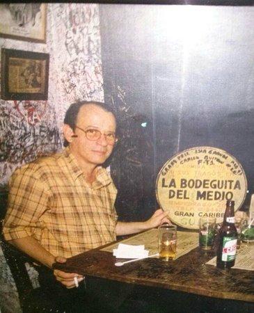 Silvio Rodríguez en La Bodeguita del Medio.
