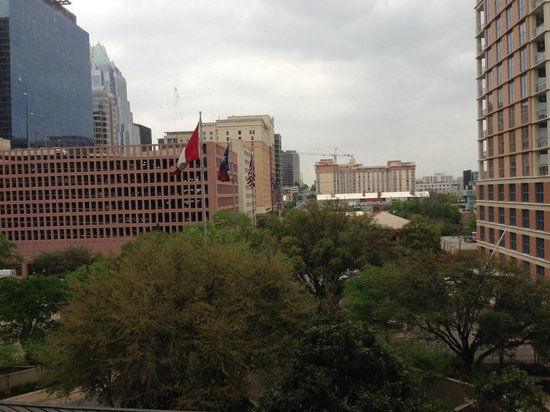 Four Seasons Hotel Austin: city view room