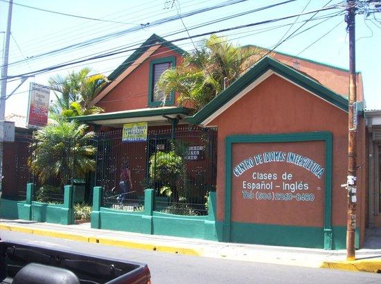 Intercultura Language School and Cultural Center: Exterior of school