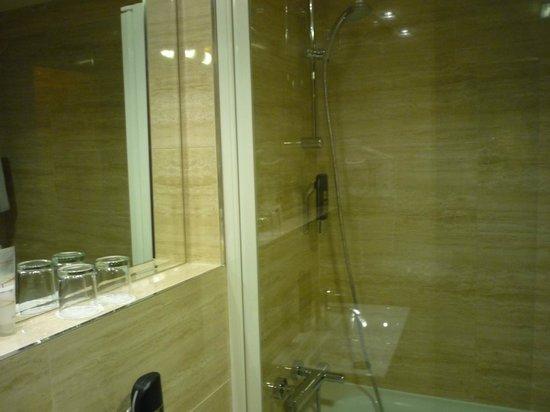 Grand Majestic Plaza: Ванная комната