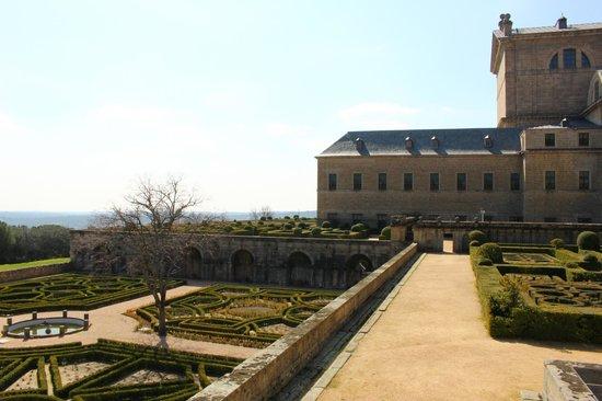 Monasterio y Sitio de San Lorenzo de El Escorial: The gardens