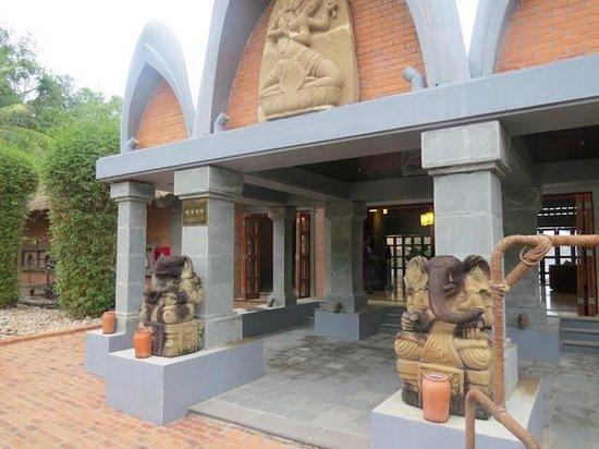 AVANI Quy Nhon Resort & Spa : Front entrance