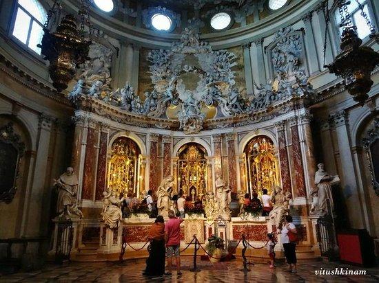 Basilica di Sant'Antonio - Basilica del Santo: Мощехранительница
