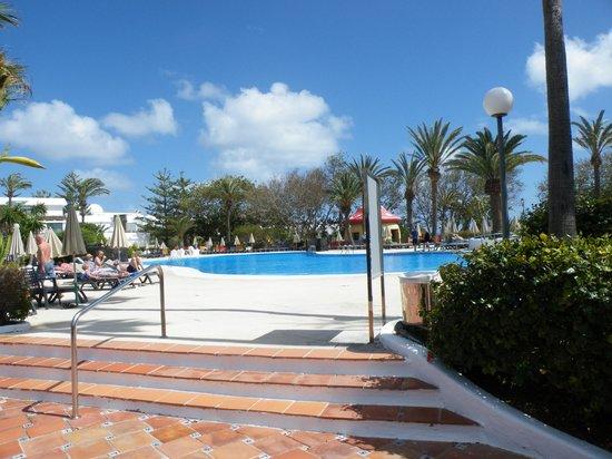 H10 Lanzarote Princess : la piscine