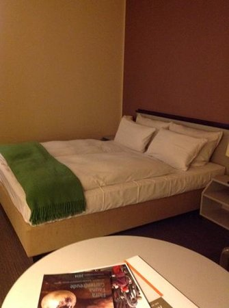 NH Dessau: double bed