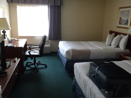 La Quinta Inn & Suites Miami Airport East: Spacious and comfortable