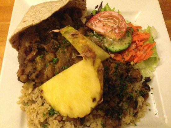 Rainbow Cafe: Jamaican Roti Cup
